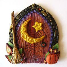 Fairy Door, Harvest Moon Autumn Pixie Portal, Home Decor, Fairy Garden… Diy Fairy Door, Tooth Fairy Doors, Diy Door, Polymer Clay Halloween, Polymer Clay Crafts, Clay Fairies, Biscuit, Fairy Garden Accessories, Fairy Dolls