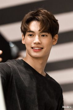 Younger twin Brother of Rei. In love with Sarawat. Actors Male, Asian Actors, Korean Actors, Actors & Actresses, Handsome Faces, Handsome Actors, Handsome Boys, Dramas, Cute White Boys