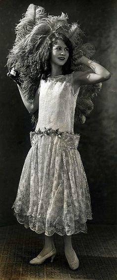 1925 @@@@@......http://www.pinterest.com/pocketmuseum/1920s-fashion-in-photographs/  ......€€€€€€€€€€€€€€€€€€€€€€€€€€€€