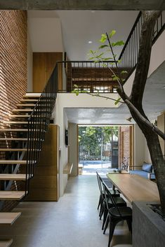 Image 6 of 28 from gallery of DT House / IZ Architects. Photograph by Quang Dam Narrow House Designs, Small House Design, Modern House Design, Architect House, Architect Design, Interior Architecture, Landscape Architecture, Classical Architecture, Ancient Architecture