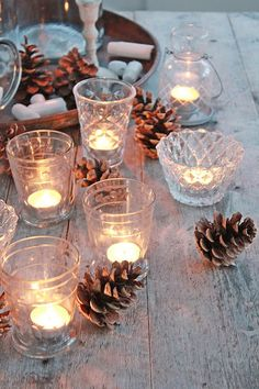 Varme plagg i vinterkulda ! Winter Home Decor, Winter House, Fall Decor, Christmas Love, Winter Christmas, Christmas Candles, Vibeke Design, Scandinavian Christmas, Scandinavian Interior