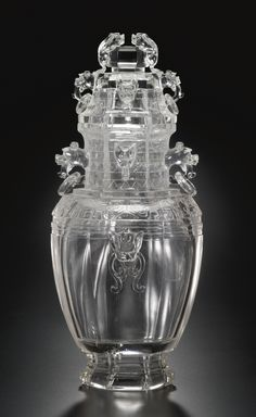 A large carved rock crystal Vase and cover, Qing Dynasty, 19th century.