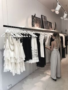 Clothing boutique interior в 2019 г. Clothing Boutique Interior, Boutique Decor, Boutique Interior Design, Fashion Boutique, Boutique Stores, Fashion Store Design, Clothing Store Design, Clothing Store Displays, Clothing Stores