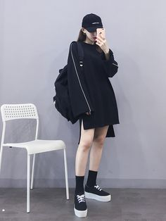 Korean Fashion Trends you can Steal – Designer Fashion Tips Ulzzang Girl Fashion, Korean Girl Fashion, Korean Fashion Trends, Korean Street Fashion, Korea Fashion, Asian Fashion, Fashion Black, Girl Outfits, Cute Outfits