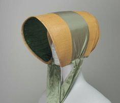 Straw bonnet, 1810-15 US, the Museum of Fine Arts, Boston    Long, tubular straw bonnet with green silk ribbon.