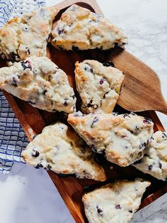 3 Step Blueberry Scones Party Recipes, Brunch Recipes, Baking Recipes, Dessert Recipes, Brunch Ideas, Breakfast Ideas, Breakfast Recipes, Blueberry Scones Recipe, Blueberry Recipes