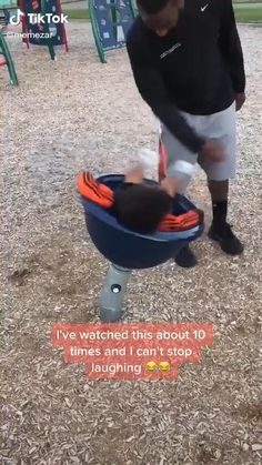 Super Funny Videos, Funny Videos For Kids, Funny Short Videos, Funny Video Memes, Crazy Funny Memes, Really Funny Memes, Stupid Funny Memes, Funny Relatable Memes, Funny Memes For Kids