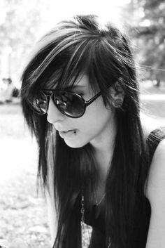 black-and-white-emo-gauges-girl-hair-Favim.com-430243.jpg (467×700)