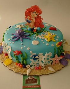 "Pastel de ""La Sirenita""                                                       … Little Mermaid Birthday Cake, Little Mermaid Cakes, Sirenita Cake, Disney Castle Cake, Jasmine Cake, Ocean Cakes, Movie Cakes, 4th Birthday Cakes, Rosalie"