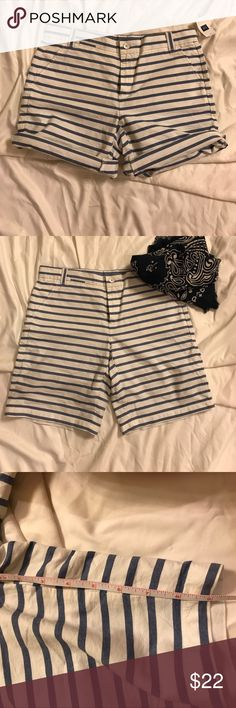 NWT GAP Boyfriend Roll Up white/blue shorts. Super cute, just never wore them. GAP Shorts