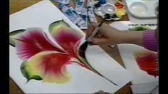 ONE STROKE FLOWER ON PAPER - Luz Angela´s Technique Exercise it and improve it, make it better than shown on video. Old TV SHOW. Atelie na TV 2007. Rede Mulh...