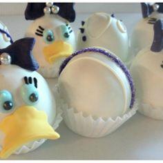 daisy duck cake balls