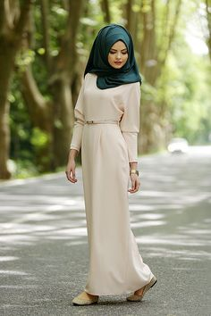 Lovely dress! and I do like the color jade included as an accessory somewhere...but not a headscarf...