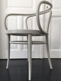 Der berühmte Kaffeehausstuhl ist eine Ikone - THONET-Möbel - Stühle, Tische, Sessel und Sofas ...