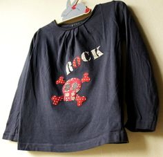 "T-shirt décoré avec du liberty et le pochoir ""ROCK & Tête de mort"" de ""Made for You"""