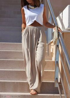 This is the perfect streetstyle fashion if you want to look chic & elegant this summer.Look and enjoy! Summer Outfits, Casual Outfits, Cute Outfits, Beach Outfits, Bbq Outfit Ideas Casual, Bbq Outfit Ideas Summer, Beach Holiday Outfits, Outfit Beach, Casual Wear Women