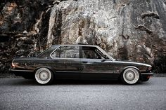 All information about BMW style 17 wheels. Size, offset, PCD and all information about BMW styling 17 wheels. E28 Bmw, Bmw Old, Bmw Vintage, Bmw Classic Cars, Bmw 5 Series, Japanese Cars, Bmw Cars, Custom Cars, Cars And Motorcycles