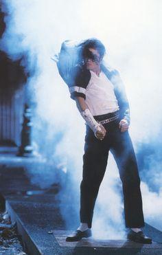 Dangerous > Short Films > Black or White Michael Jackson Hot, Michael Jackson Quotes, Photos Of Michael Jackson, Michael Jackson Wallpaper, Jackson Song, Mike Jackson, Lisa Marie Presley, Paris Jackson, Elvis Presley