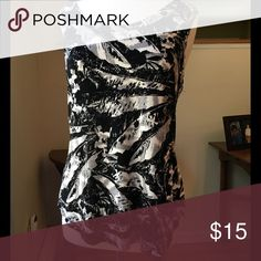 👛Coldwater Creek Top Coldwater Creek Sleeveless top.  Subtle feather pattern, great top under a Blazer at work and versatile to be worn casual on evenings and weekend.  Very comfortable. 95% Acetate/5% Spandex.  Excellent Condition.  Size: XL Coldwater Creek Tops