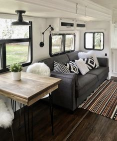 12 Wonderful RV Camper Trailer Remodel Ideas For Weekend Holiday - Table! Rv Travel Trailers, Travel Trailer Remodel, Camper Trailers, Cargo Trailers, Camper Life, Rv Campers, Rv Life, Remodel Caravane, Casas Trailer