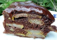 Шоколадный торт с ранними грушами