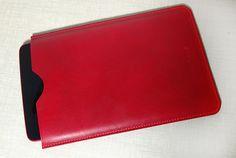 Чехол для планшета LG. Сделан из кожи растительного дубления. Шитье вручную льняной вощеной нитью седельным швом.