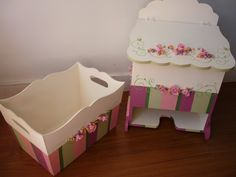 Manualidades Lali: Set para el recién nacido Biscuit, Diy And Crafts, Arts And Crafts, Decoupage Box, Fabric Boxes, Baby Birth, Girl Nursery, Painting On Wood, Toy Chest