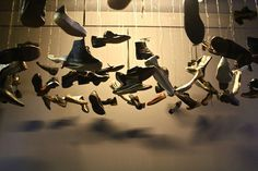 Flying shoes von Christian Boltanski