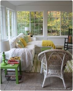 If we ever build a sunroom onto the house. Sunroom Decorating, Sunroom Ideas, Porch Ideas, Four Seasons Room, 4 Season Room, Sleeping Porch, Room Additions, Home And Deco, Cottage Style