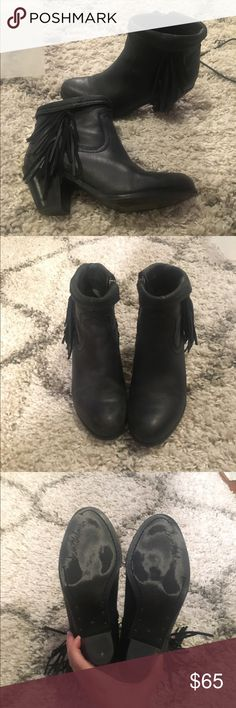 Sam Edelman bootie Cute San Edelman bootie with fringe. super comfy Sam Edelman Shoes Heeled Boots