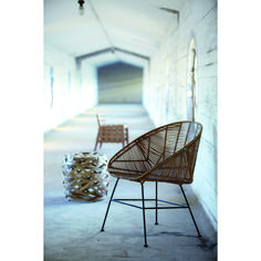 Retro loungestol från House Doctor. Tidlös loungestol i rotting och järn. En snygg oc...