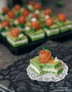 """Tapas med små spinat """"kage"""" hapsere med laks, www.bydianawi.com"""