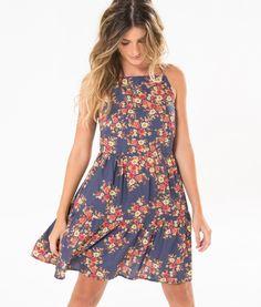http://www.farmrio.com.br/br/produto/vestido-recortes-nubia/_/A-238134_2994.ptbr.farmrio