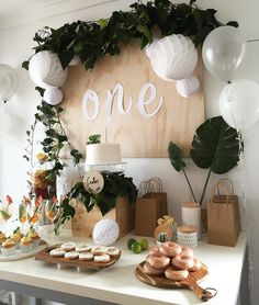 Decoration Birthday Party Ideas Create your perfect party with various decorations like the picture below!Choose from some of plain and themed birthday party decorations including banners, bunting, paper decorations, pom poms,baloon and more. Baby First Birthday, First Birthday Parties, Girl Birthday, Birthday Board, Birthday Design, Simple First Birthday, Decoration Birthday Party, Birthday Party Themes, Birthday Celebration