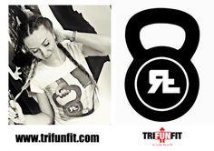 🇮🇹️ Bellissime maglie femminili con il motivo di kettlebell! Sia fashion anche durante il tuo allenamento! 🏊🚴♂️🏃  Visita il nostro e-shop www.trifunfit.com  #trifunfit #fitness #kettlebell #crossfit #circuit #training