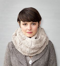 Love. Ravelry: Big Houndstooth Cowl pattern by Mel Clark