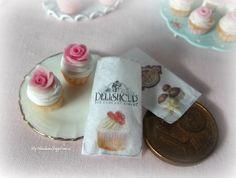 Miniature cupcake