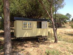 Plankbridge Shepherd's Huts, Dorset Island Bothy version, in Portugal