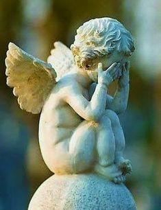 little cherub. Cemetery Angels, Cemetery Art, Sculpture Art, Garden Sculpture, Sculptures, Statue Ange, Little Cherubs, I Believe In Angels, Ange Demon