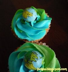 Earth Day cupcakes. This site has an amazing collection of cakes, cupcakes and cake pop ideas for Earth Day. Graphics only - no directions available. Collection from javacupcake.com. #EarthDay