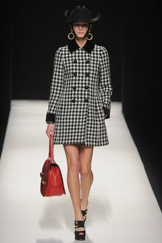 Moschino Fall 2012 Ready-to-Wear Collection Slideshow on Style.com
