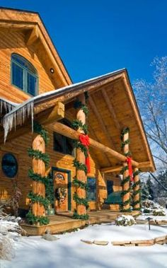 Log home decorated for Christmas