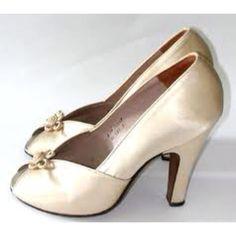 1940s satin pumps..wedding?