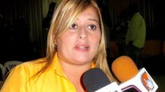 Diputada Paz: Sabíamos que el incapaz de Acuña iba a dejarle el pelero