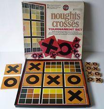 Vintage / Retro 1970's Noughts And Crosses Tournament Set - Airfix