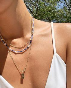 Dainty Jewelry, Cute Jewelry, Beaded Jewelry, Jewelry Accessories, Beaded Necklace, Beaded Bracelets, Daisy Necklace, Necklaces, Piercings