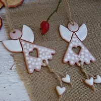 New Pics clay pottery decoration Ideas Produktsuche: Keramik Engel / Waren Clay Projects, Clay Crafts, Clay Ornaments, Christmas Ornaments, Diy Christmas, Ceramic Christmas Decorations, Pottery Angels, Pottery Courses, Pottery Store