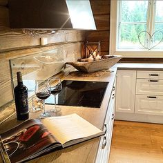 grysval's photo on Instagram Corner Desk, Kitchens, Interior, Instagram Posts, Furniture, Home Decor, Corner Table, Indoor, Kitchen