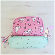 Getting this for school! Real Unicorn, Rainbow Unicorn, Unicorn Party, Unicorn Birthday, Unicorns And Mermaids, Cute School Supplies, Ideias Diy, Pencil Pouch, Pencil Cases