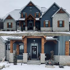 Old Farm Houses, Big Houses, New Home Designs, Cool House Designs, Icf Home, Mountain Home Interiors, Modern Farmhouse Exterior, Luxury Homes Dream Houses, Timber House